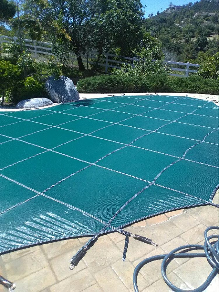 Manual safety pool covers - Aqua-Safe Unlimited